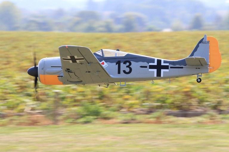 12 Focke-Wulf.jpg